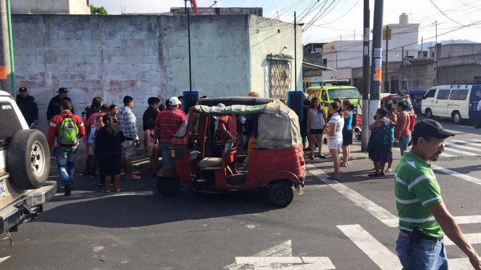 Vecinos se mostraron indignados por muerte de menor de 11 meses en la vía pública. (Foto: Cortesía)