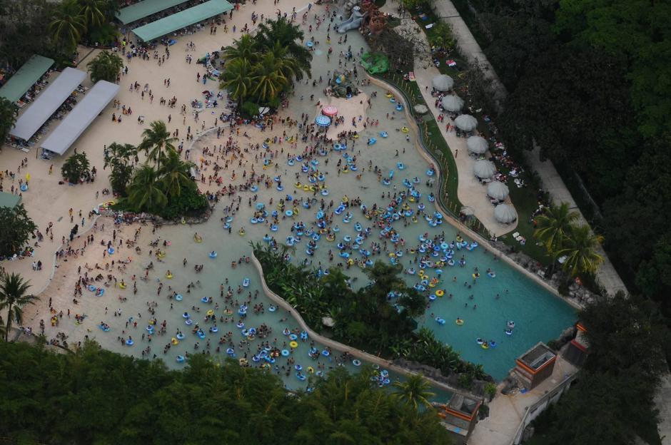 Vista aérea de Xocomil en Retalhuleu, durante el Sábado de Gloria.  (Foto: Alejandro Balán/Soy502)
