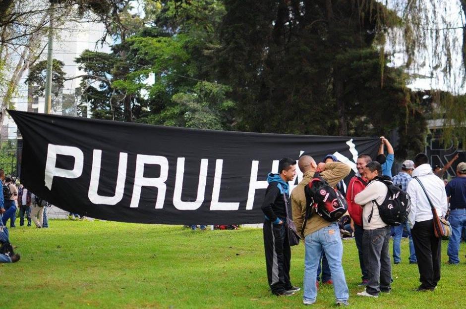 Maestros de distintos departamentos del país participan en manifestación. (Foto: Alejandro Balán/Soy502)