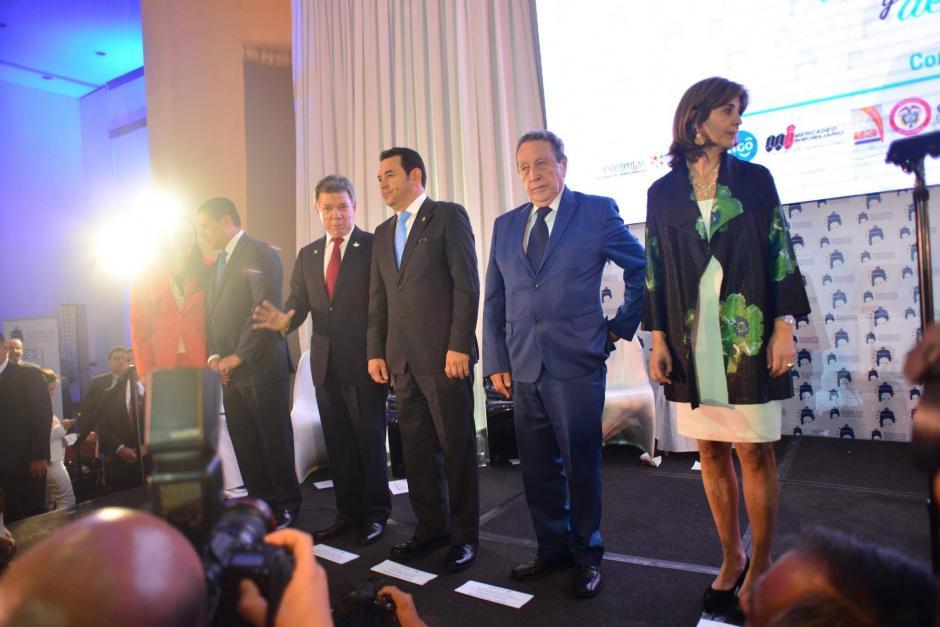 Santos estuvo acompañado por el anfitrión, Vinicio Cerezo, el presidente Jimmy Morales y los cancilleres de ambos países. (Foto: Jesús Alfonso/Soy502)
