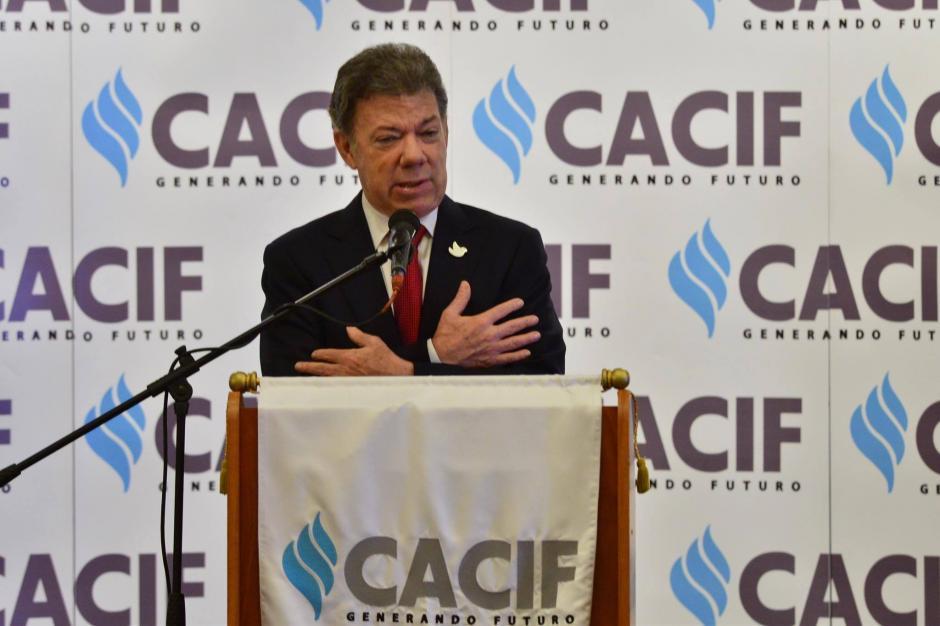 Durante su discurso el mandatario Santos alentó a los empresarios guatemaltecos para que tengan fe en que habrán cambios. (Foto: Jesús Alfonso/Soy502)