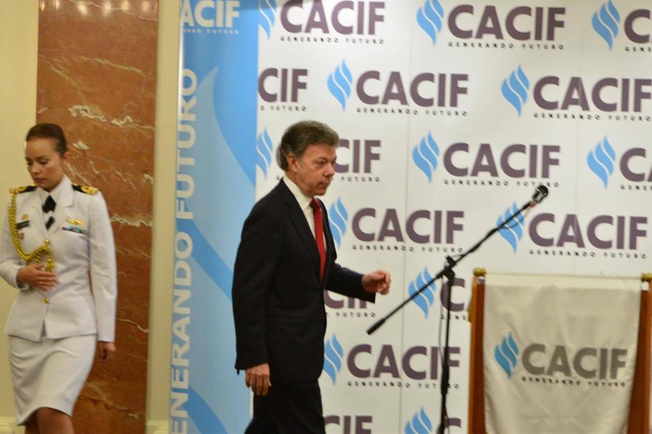 El mandatario Juan Manuel Santos recordó la situación en la que se encontraba Colombia hace 15 años. (Foto: Jesús Alfonso/Soy502)