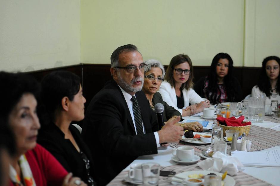 El Comisionado Internacional contra la Impunidad en Guatemala, Iván Velásquez participa en una mesa de Seguridad y Justicia en el Congreso. (Foto: Alejandro Balán/Soy502)