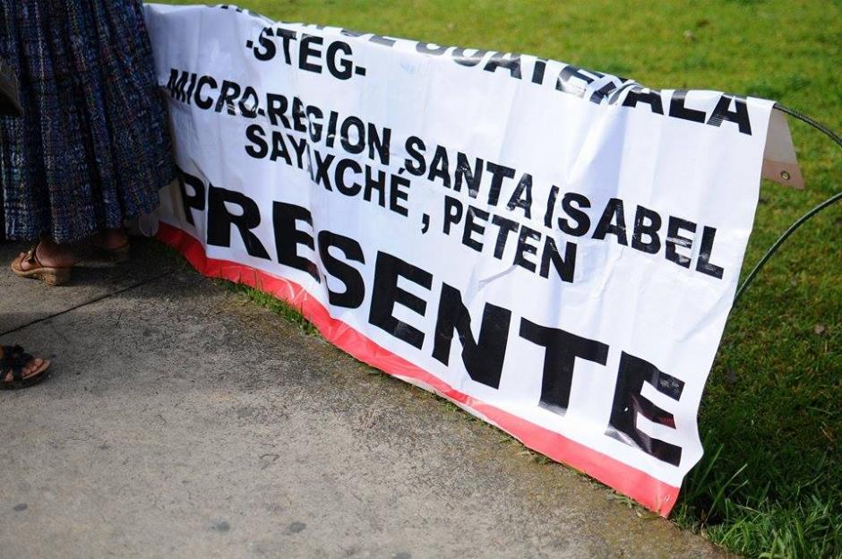 Docentes de distintos departamentos del país se hicieron presentes para participar en la marcha. (Foto: Alejandro Balán/Soy502)