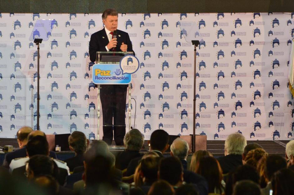 Santos quiso aprender del proceso de Paz centroamericano para no cometer sus errores y copiar sus fortalezas. (Foto: Jesús Alfonso/Soy502)