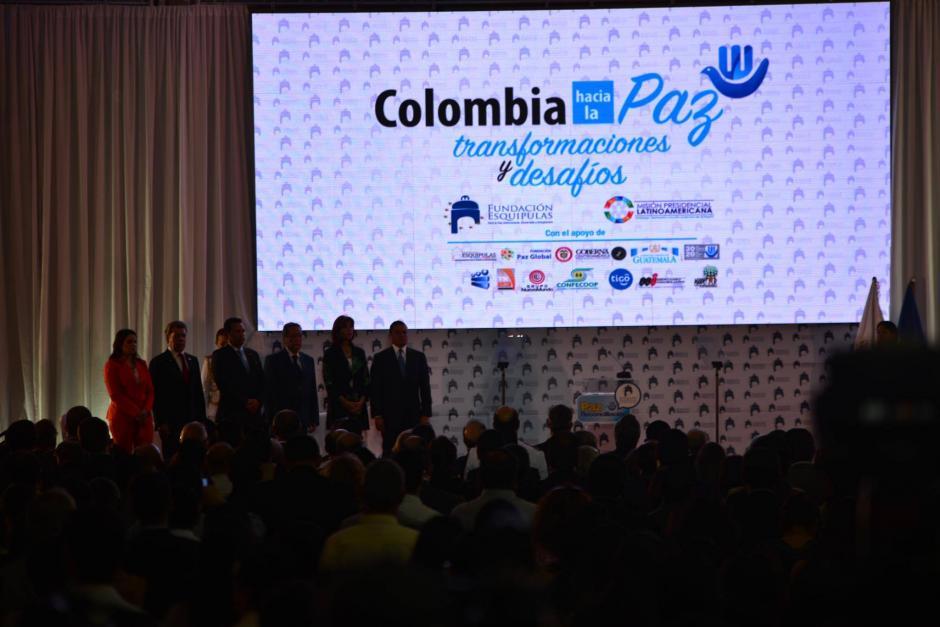 """El tema de la charla ere """"Colombia camina hacia la paz"""" (Foto: Jesús Alfonso/Soy502)"""