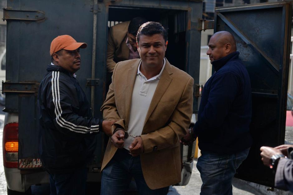 Los hermanos Mendoza fueron trasladados hacia Tribunales para que rindan su primera declaración. (Foto: Wilder López/Soy502)
