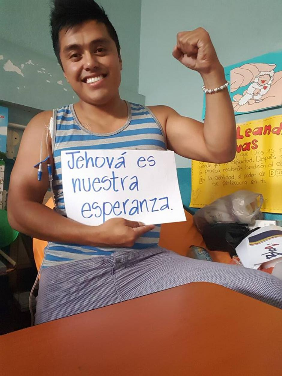 Desde que inició su tratamiento, siempre tuvo una actitud positiva. (Foto: Facebook/Leandro Rivas)