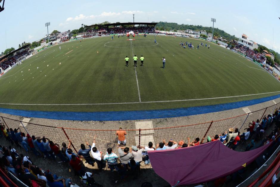 El estadio Santa Lucía, de Malacatán, tiene lugar para unos cuatro mil aficionados. (Foto: Nuestro Diario)
