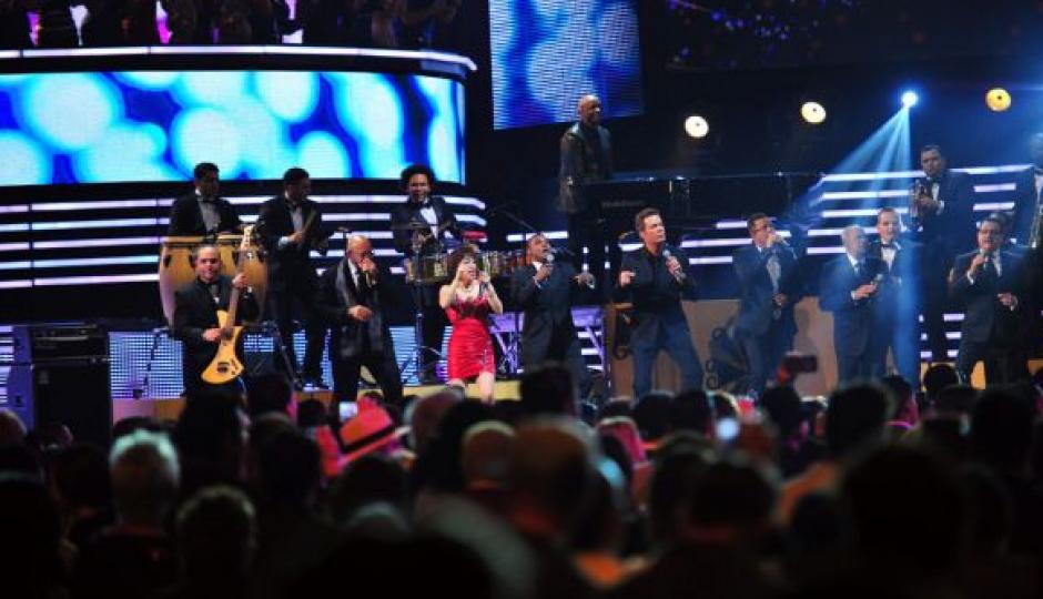Para cerrar la noche con broche de oro, los Salsa Giants presentaron una selección de los grandes éxitos de la salsa. (Foto: Premios lo Nuestro)