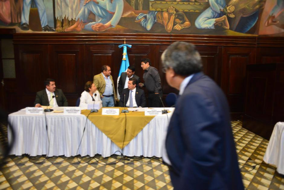 En el Salón del Pueblo, la Pesquisidora terminó con el análisis. (Foto: Jesús Alfonso/Soy502)