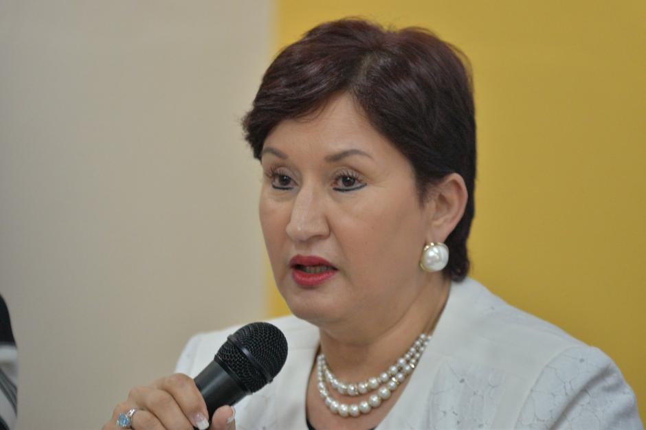 La Fiscal General y Jefa del Ministerio Público Thelma Aldana explica sobre el retiro de la intervención de Aceros de Guatemala. (Foto: Wilder López/ Soy502)