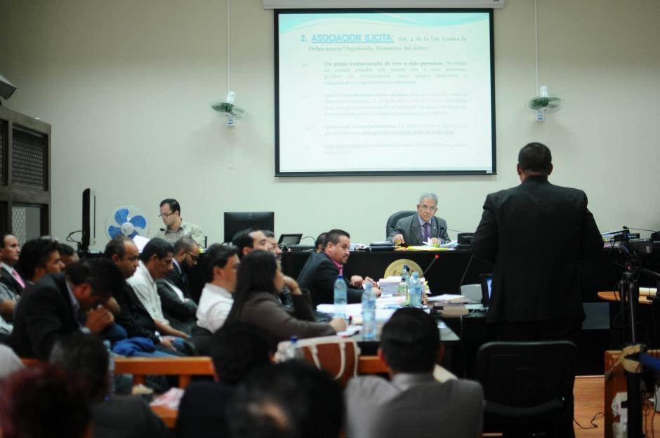 El juez Miguel Ángel Gálvez resolverá si liga a proceso a los sindicados en el caso TCQ. (Foto: Alejandro Balán/Soy502)