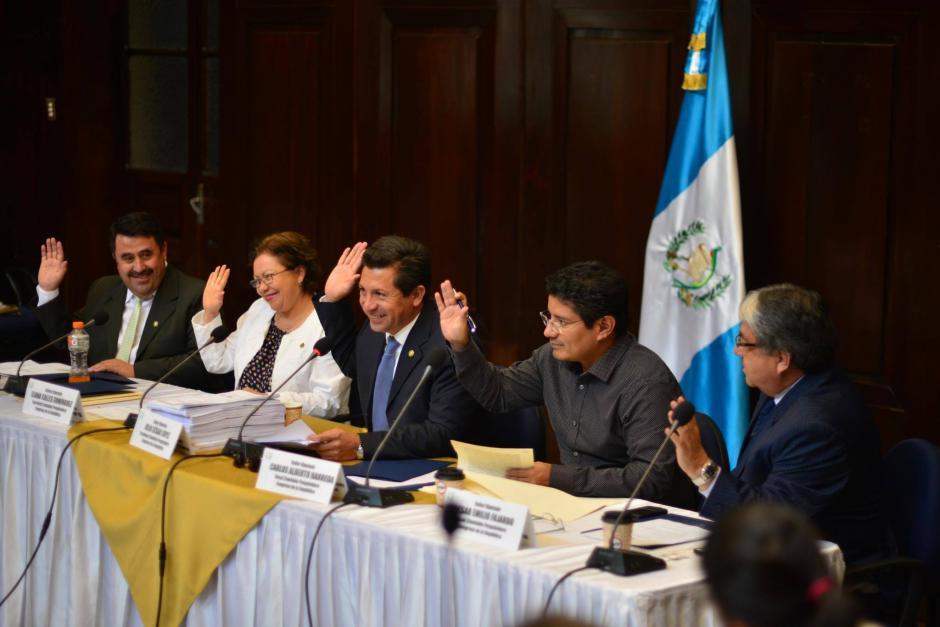 Los miembros de la Comisión de Pesquisidora votó para recomendar retirar la inmunidad al magistrado Charchal. (Foto: Jesús Alfonso/Soy502)