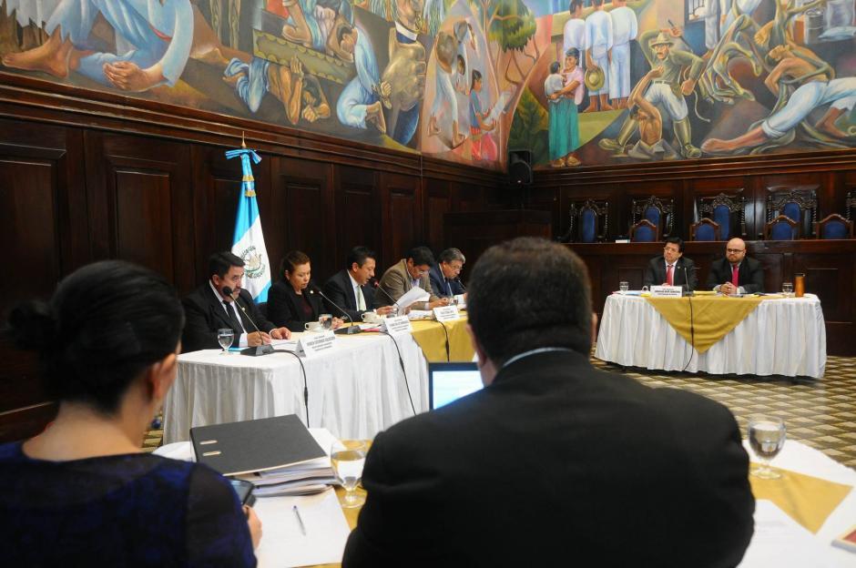 La Comisión Pesquisidora le otorgó la palabra al magistrado Charchal para que presentara su defensa. (Foto: Alejandro Balán/Soy502)