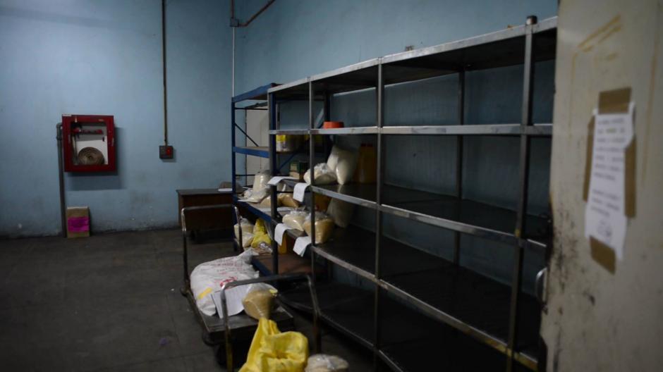 El hospital San Juan de Dios tiene sus bodegas casi vacías. (Foto: Soy502)