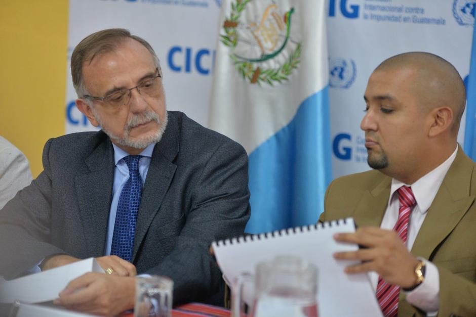 El Comisionado de Cicig, Iván Velásquez, junto a el Superintendente de la SAT dan detalles sobre el caso Aceros de Guatemala. (Foto: Wilder López/ Soy502)