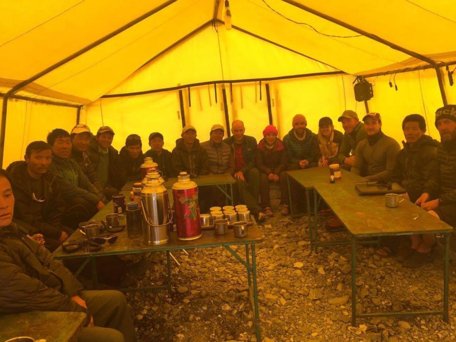 Este es el interior del campamento en el Monte Everest. (Foto: Facebook/Bárbara Padilla)
