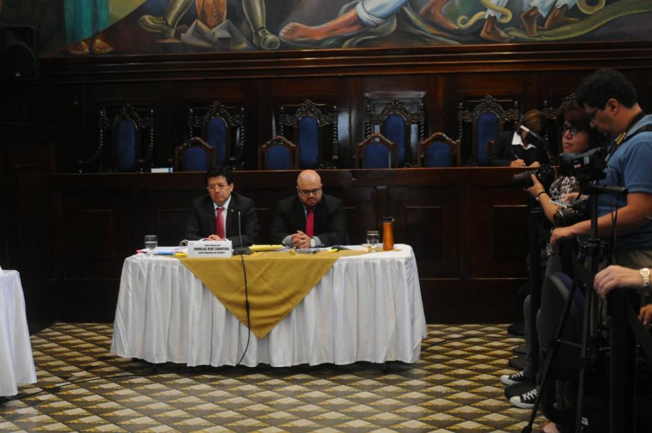Inicia cuestionamiento al magistrado Douglas Charchal por acusación en caso TCQ. (Foto: Alejandro Balán/Soy502)