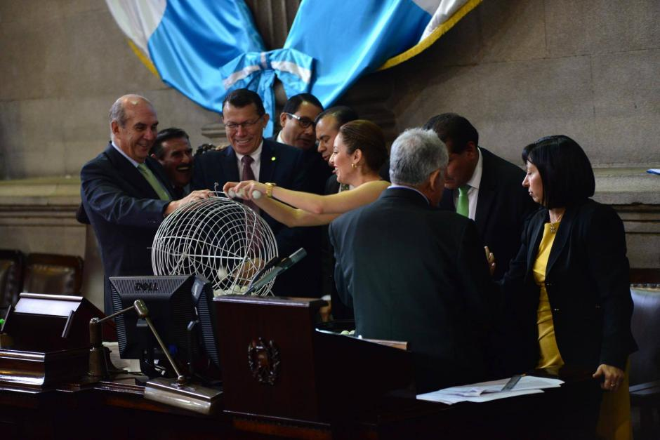 El sorteo se realizó este jueves en el Congreso. (Foto: Jesús Alfonso/Soy502)