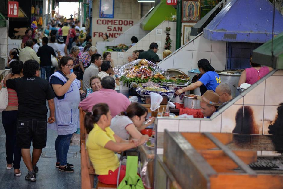 Los comercios fueron afectados por el robo de dinero y mercadería. (Foto: Wilder López/ Soy502)