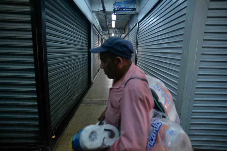 Varios locales del Mercado Central permanecieron cerrados. (Foto: Wilder López/ Soy502)