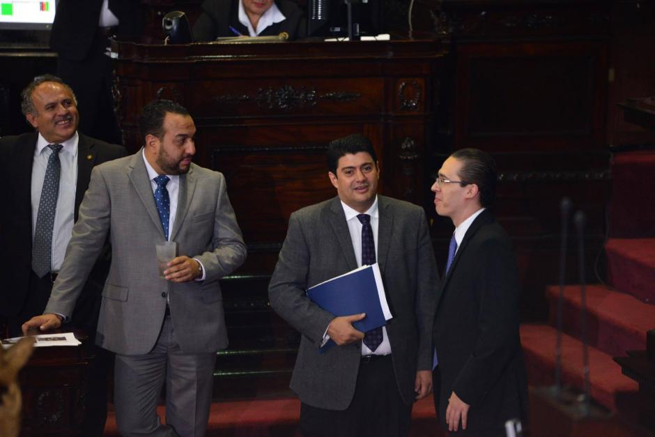 Ronald Arango, centro, también es parte de la comisión. (Foto: Jesús Alfonso/Soy502)