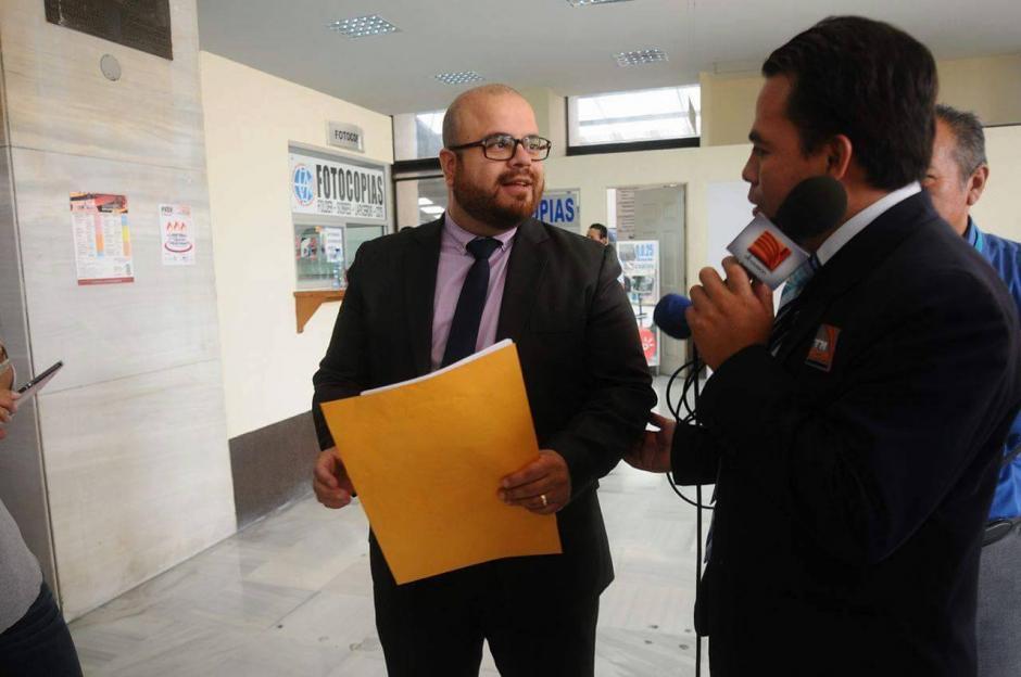 El abogado Guevara asegura que Charchal es inocente y no tiene nada que ocultar. (Foto: Alejandro Balán/ Soy502)