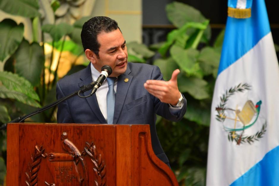 El presidente Jimmy Morales dijo que hará un llamado a la ciudadanía en general para que donen pupitres. (Foto: Jesús Alfonso/Soy502)