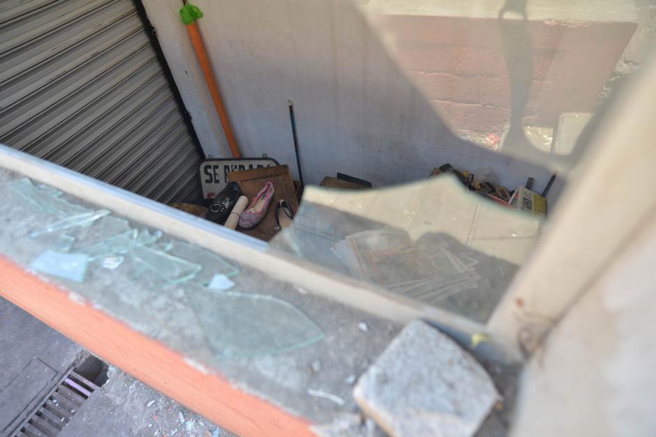 Los delincuentes quitaron un balcón para ingresar al lugar. (Foto: Wilder López/ Soy502)