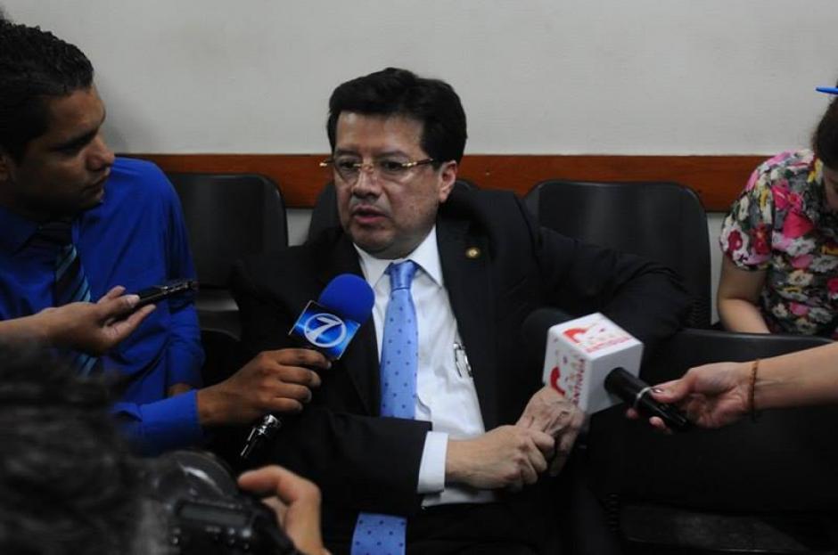 El Magistrado de CSJ Douglas Charchal dice que no renunciará. (Foto: Alejandro Balán/Soy502)