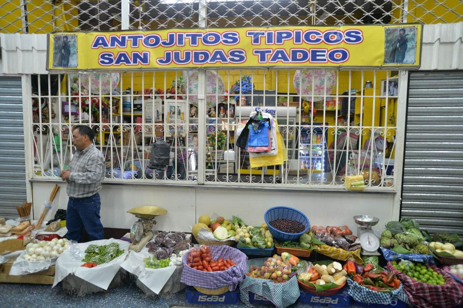 Varios comercios fueron robados durante la noche del sábado y madrugada del domingo. (Foto: Wilder López/Soy502)