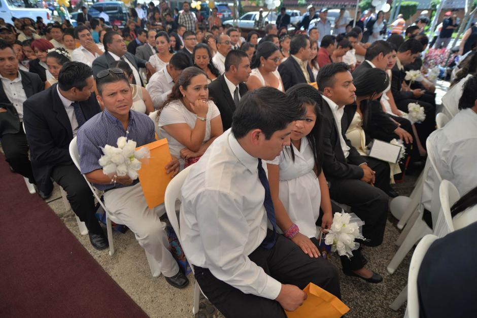 Esta es la tercera boda colectiva que realiza el RENAP.  (Foto: Wilder López/Soy502)