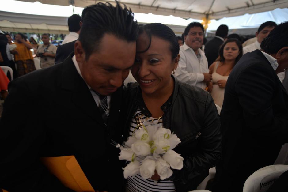 En el Día Internacional de la Familia 100 parejas unieron sus vidas en matrimonio. (Foto: Wilder López/Soy502)