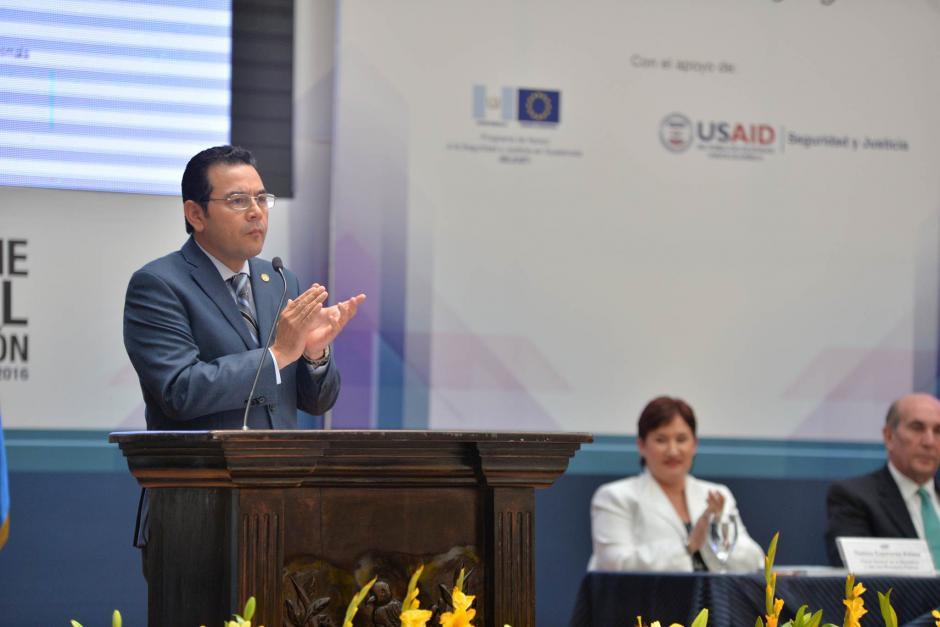 Morales pidió un aplauso a la audiencia para los empleados del MP. (Foto: Wilder López/Soy502)