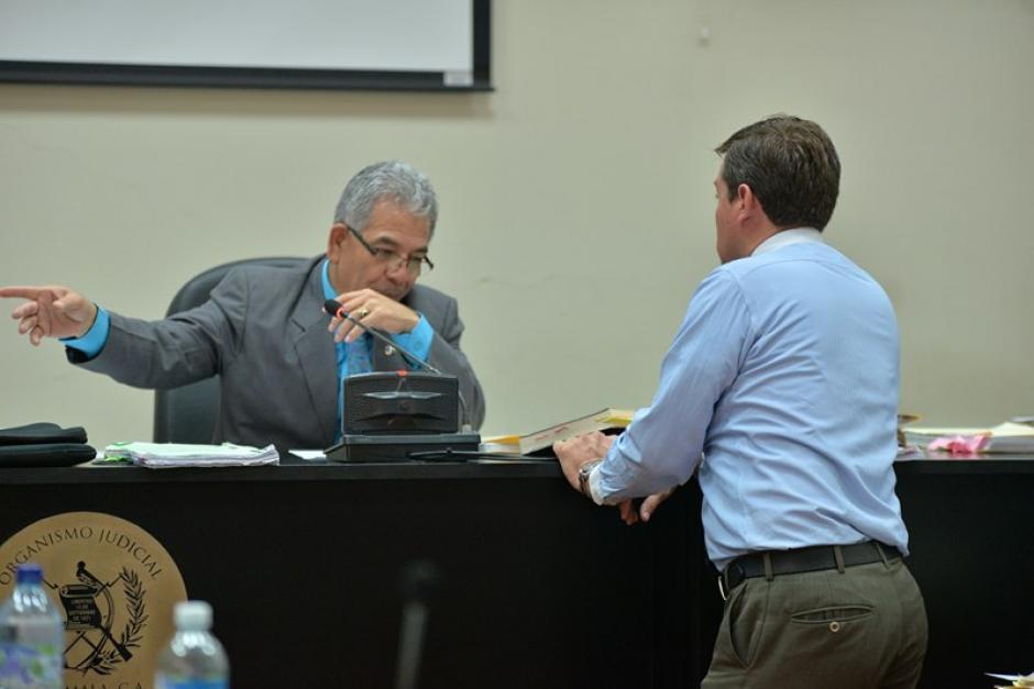 El juez Miguel Ángel Gálvez resolverá después de escuchar todos los alegatos, si Chico Dólar y otros once van a juicio. (Foto: Wilder López/Soy502)