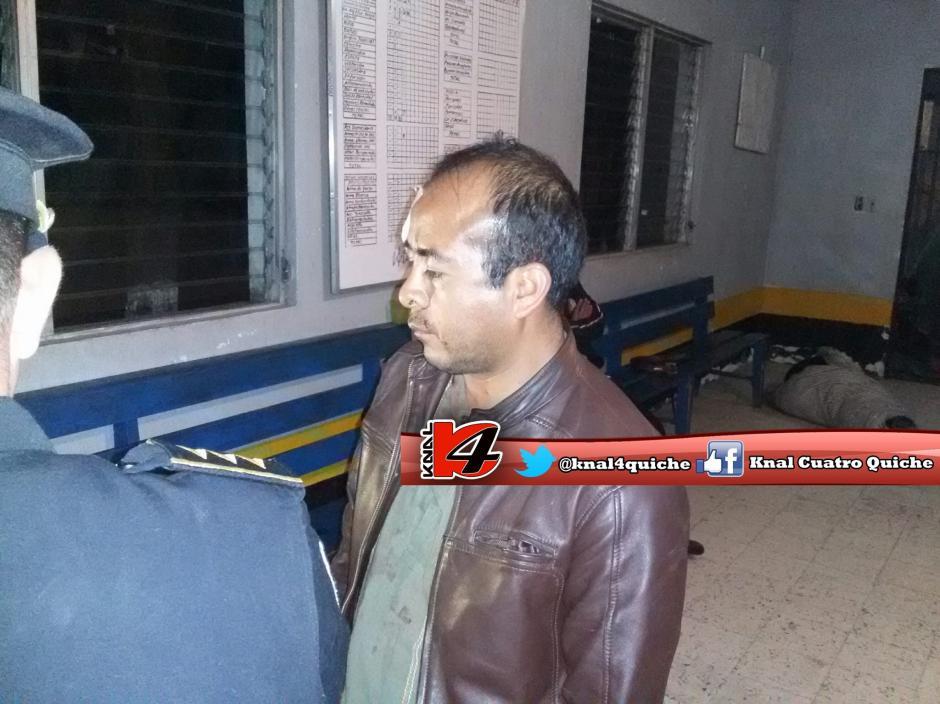 Un sacerdote fue capturado en un confuso incidente. (Foto: Knal 4 Quiché)