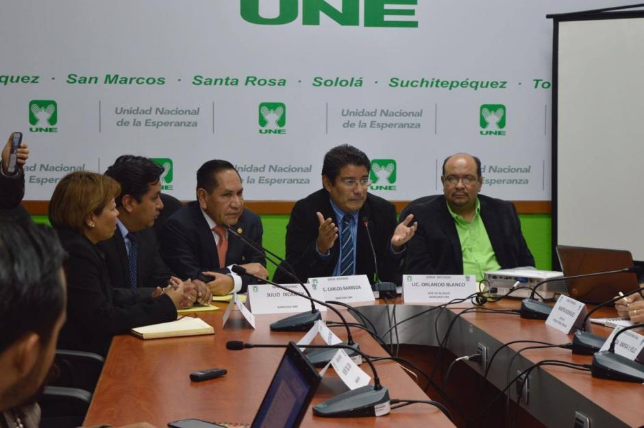 Los diputados de la UNE cuestionaron los avances en las investigaciones. (Foto: Camila Chicas/Soy502)