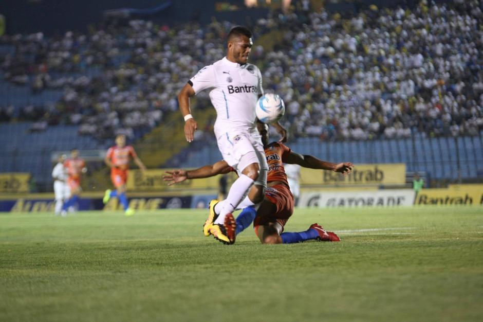 Los blancos respondieron de inmediato con el gol del empate. (Foto: Luis Barrios/Soy502)
