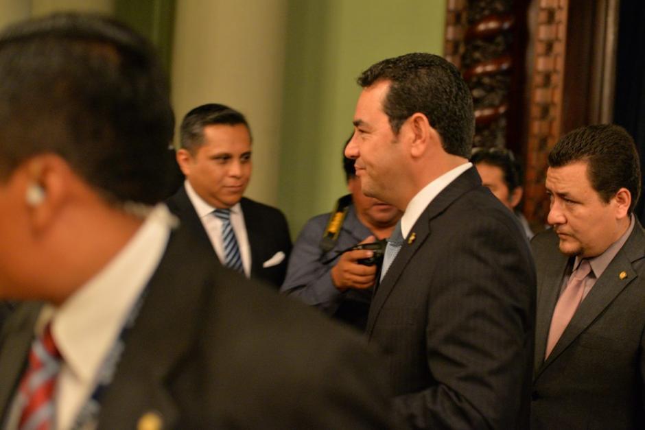 El presidente Morales dio breves declaraciones a la prensa.  (Foto: Wilder López/Soy502)