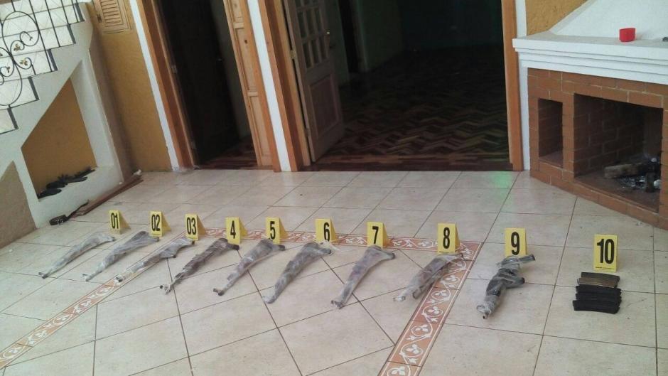 Un fuerte arsenal fue incautado en el lugar. (Foto: Mingob)