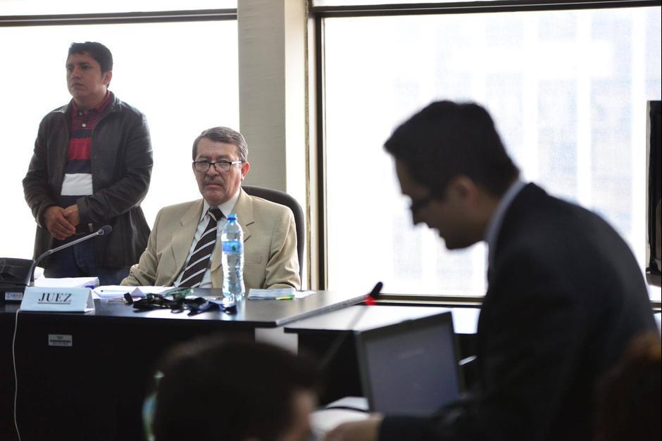 """Víctor Hugo Herrera Ríos es el juez de Mayor Riesgo """"C"""" y tiene a su cargo el caso Lago de Amatitlán. (Foto: Archivo/Soy502)"""