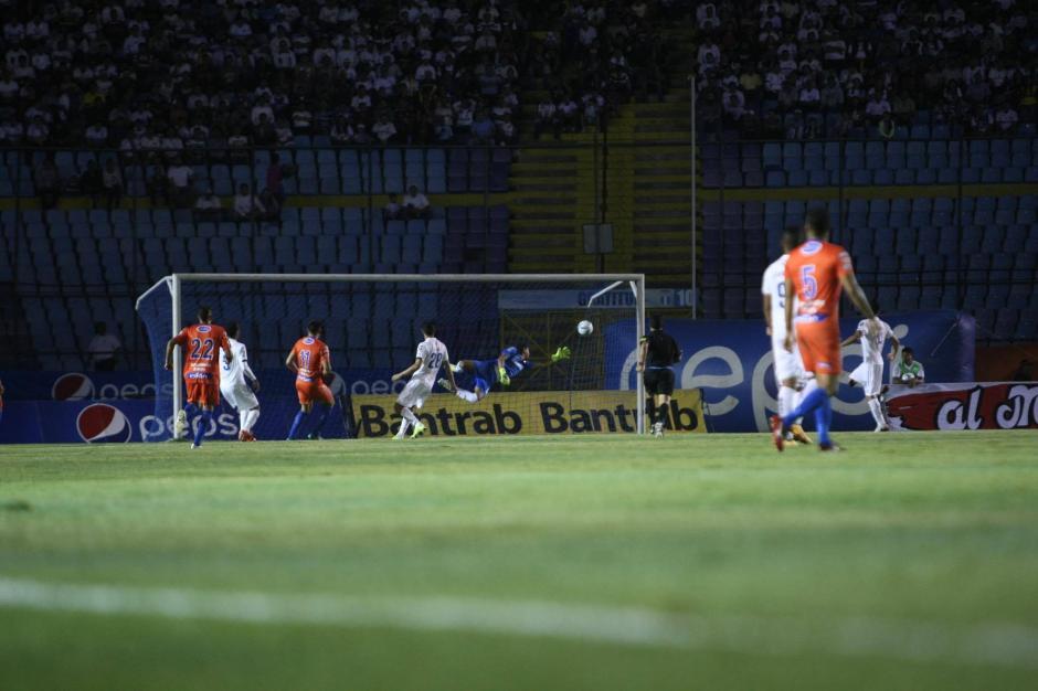 Suchitepéquez golpeó primero en la gran final del torneo. (Foto: Luis Barrios/Soy502)