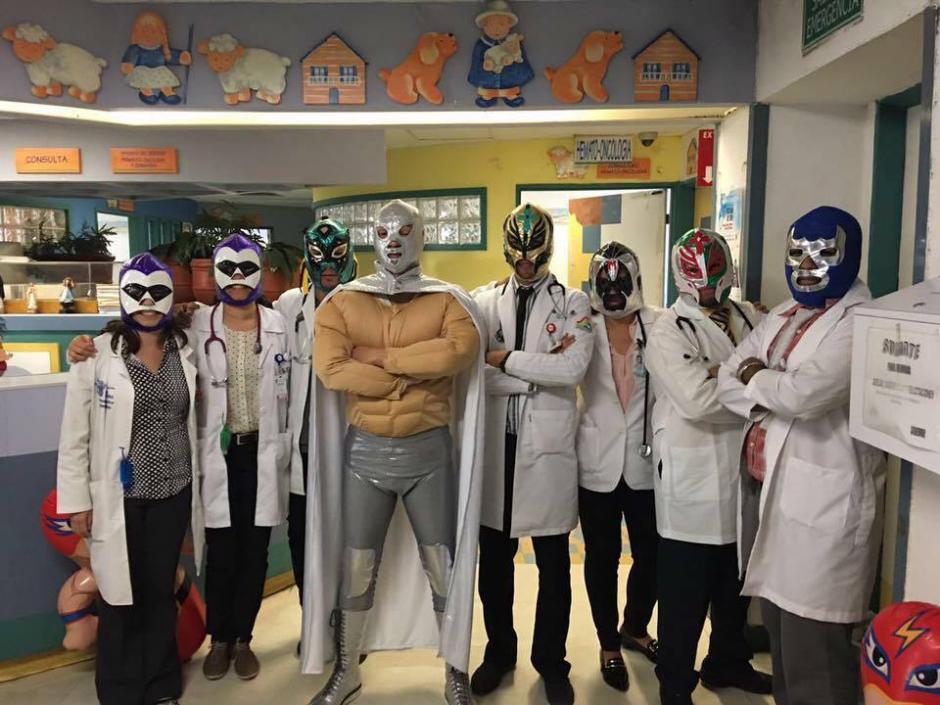 El doctor Sergio Gallegos Castorena y su equipo médico luchan para salvar a los niños. (Foto: Sergio Gallegos)