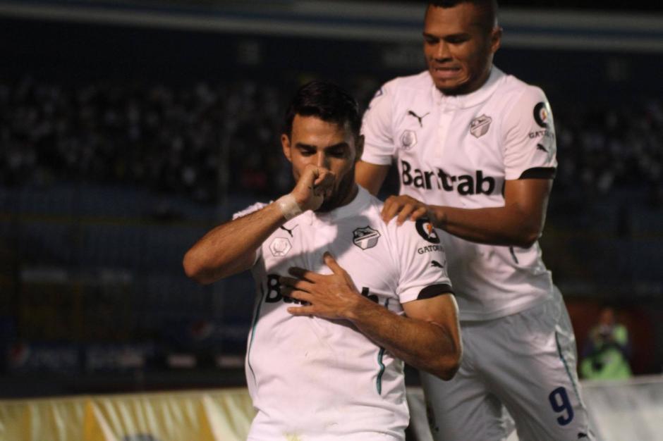 Juan Barrera anotó el gol que le dio la victoria a los Cremas. (Foto: Pedro Mijangos/Soy502)