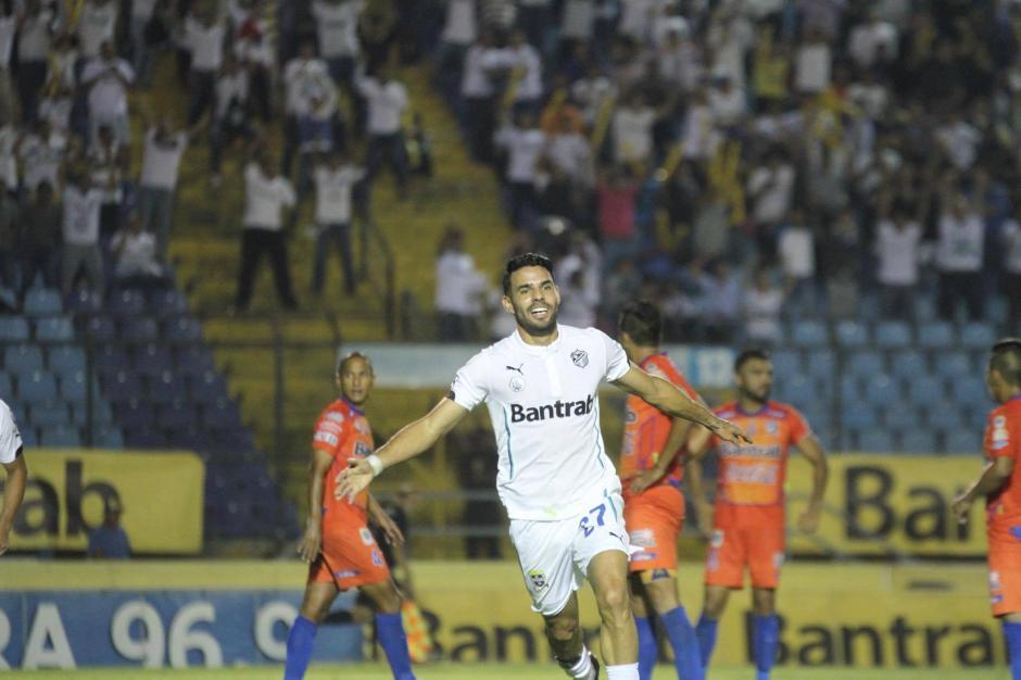 """""""El Nica"""" fue el que anotó para la victoria de los blancos. (Foto: Pedro Mijangos/Soy502)"""