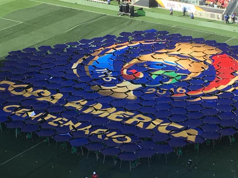 El logo de la Copa América Centenario se desplegó en la inaguración. (Foto: Canarionetwork)