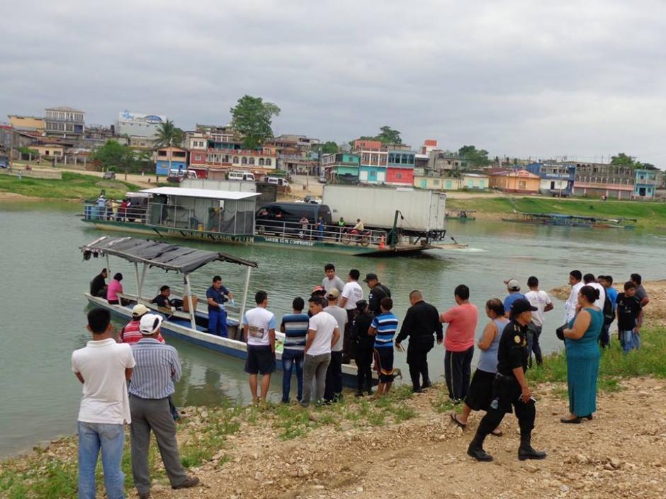 El ferry no estaba funcionando a esa hora. (Foto: El Paisano Petenero/Facebook)