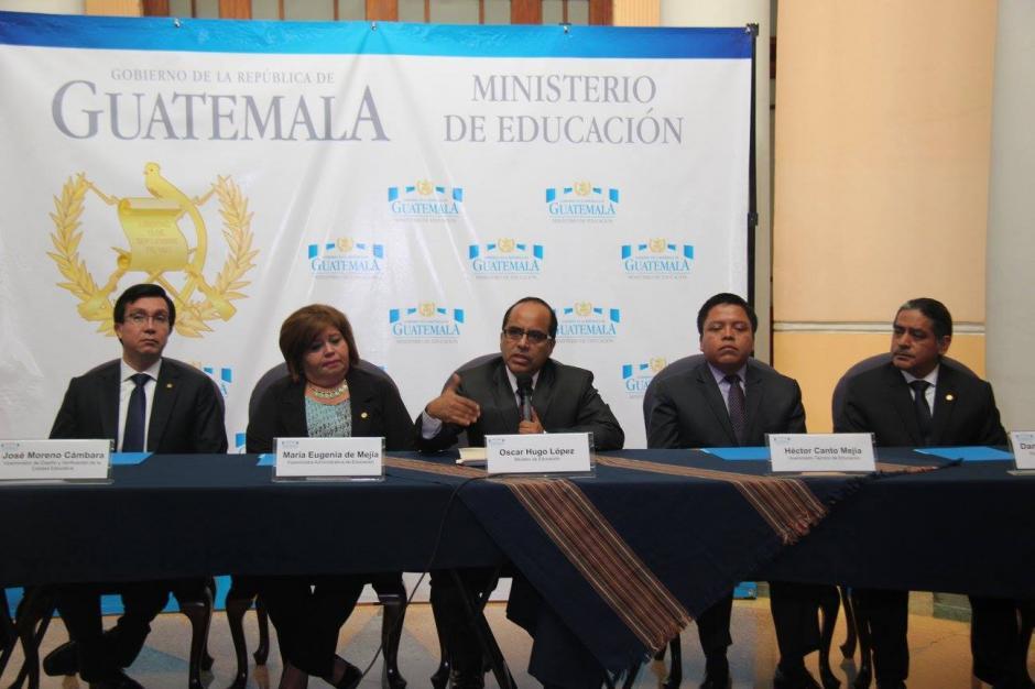 López negó que haya recibido cualquier presión de parte del Ejecutivo o el Congreso para seleccionar a los directores. (Foto: Ministerio de Educación)