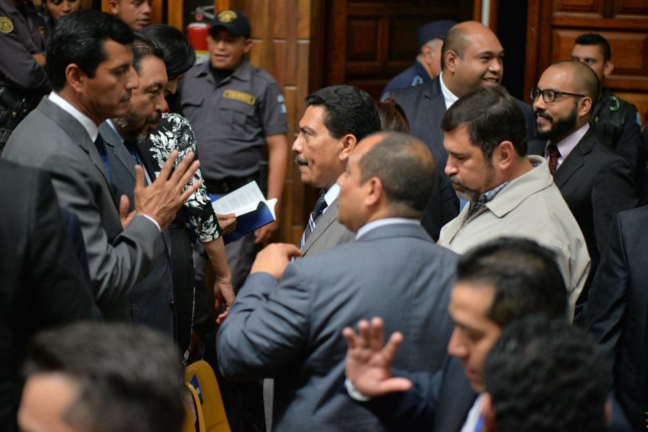 Exfuncionarios del gobierno de Otto Pérez Molina se reunieron en la Sala de Vistas de la CSJ. (Foto: Wilder López/Soy502)